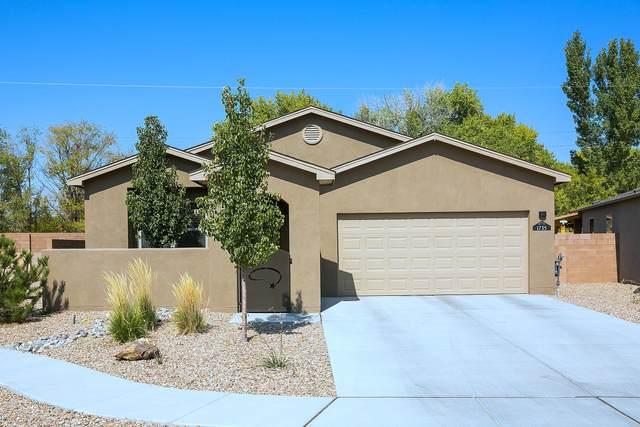 1735 Garden Way SW, Albuquerque, NM 87105 (MLS #978934) :: Campbell & Campbell Real Estate Services