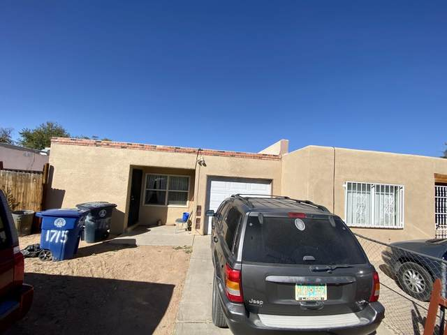 1715 Sirius Avenue SW, Albuquerque, NM 87105 (MLS #979022) :: Sandi Pressley Team