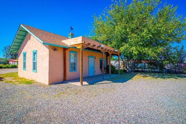 517 E Reinken Avenue, Belen, NM 87002 (MLS #979104) :: Berkshire Hathaway HomeServices Santa Fe Real Estate