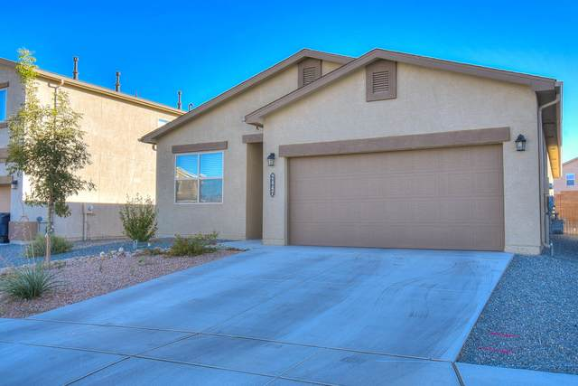 2447 Del Timbre Lane SW, Albuquerque, NM 87121 (MLS #979121) :: The Bigelow Team / Red Fox Realty