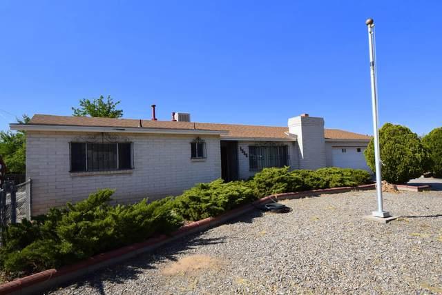 1355 Sara Road SE, Rio Rancho, NM 87124 (MLS #979208) :: The Bigelow Team / Red Fox Realty