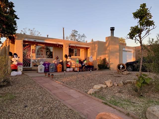 10601 Prospect Avenue NE, Albuquerque, NM 87112 (MLS #979286) :: The Bigelow Team / Red Fox Realty