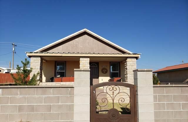 540 S 5th Street, Santa Rosa, NM 88435 (MLS #979290) :: The Bigelow Team / Red Fox Realty