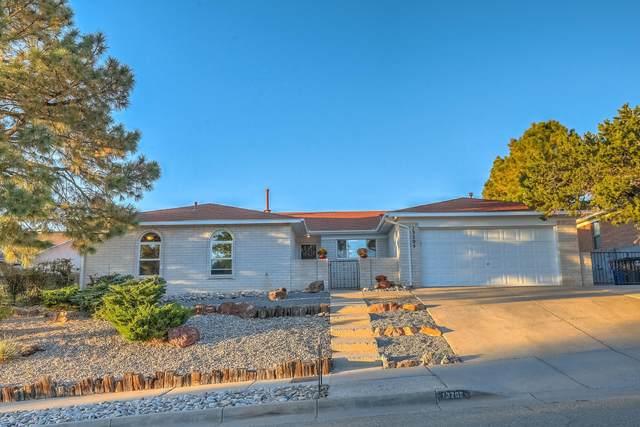 13205 Comanche Road NE, Albuquerque, NM 87111 (MLS #979402) :: The Buchman Group