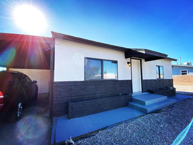475 59TH Street NW, Albuquerque, NM 87105 (MLS #979407) :: Berkshire Hathaway HomeServices Santa Fe Real Estate