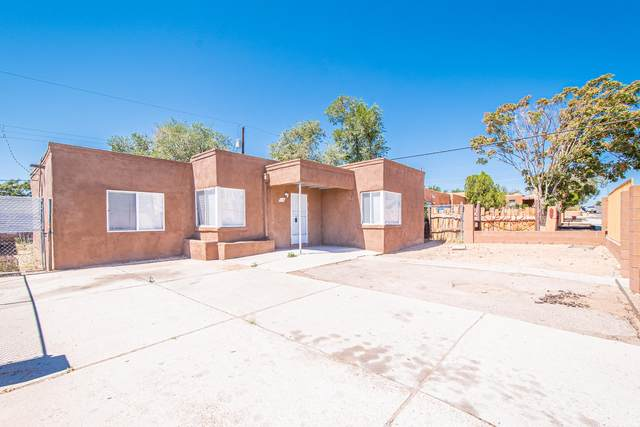 115 Yucca Drive NW, Albuquerque, NM 87105 (MLS #979501) :: Berkshire Hathaway HomeServices Santa Fe Real Estate