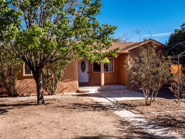 1914 Ridgecrest Drive SE, Albuquerque, NM 87108 (MLS #979567) :: Campbell & Campbell Real Estate Services