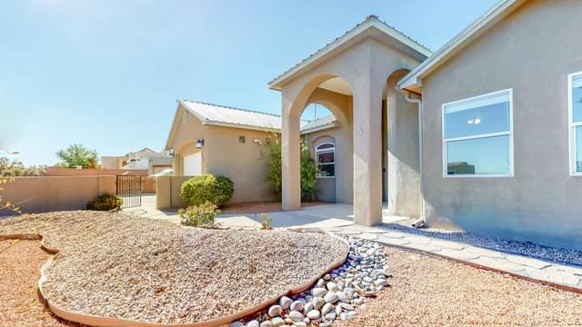 733 Sonora Road NE, Rio Rancho, NM 87124 (MLS #979571) :: The Bigelow Team / Red Fox Realty
