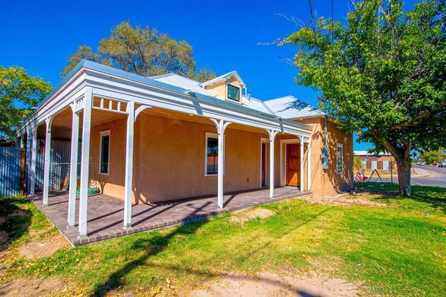 277 Los Lentes Road NE, Los Lunas, NM 87031 (MLS #979572) :: The Buchman Group