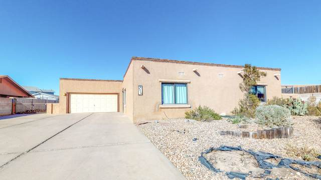 4809 College Heights Drive NW, Albuquerque, NM 87120 (MLS #979573) :: The Buchman Group