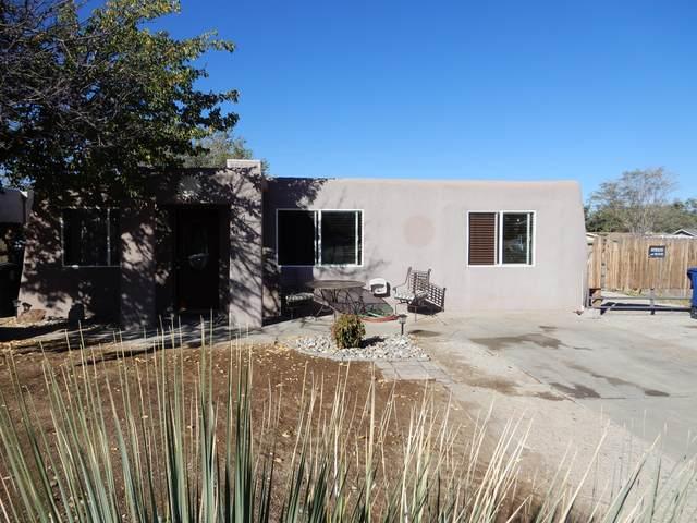 345 Altez Street NE, Albuquerque, NM 87123 (MLS #979603) :: The Buchman Group