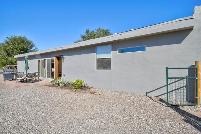 7821 Guadalupe Trail NW, Albuquerque, NM 87114 (MLS #979647) :: Campbell & Campbell Real Estate Services