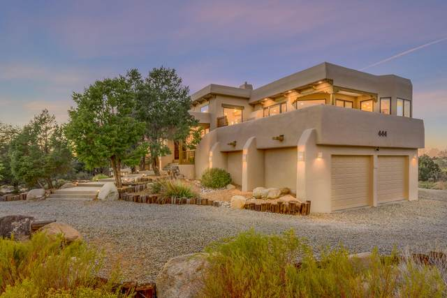 444 Live Oak Loop NE, Albuquerque, NM 87122 (MLS #979662) :: The Buchman Group