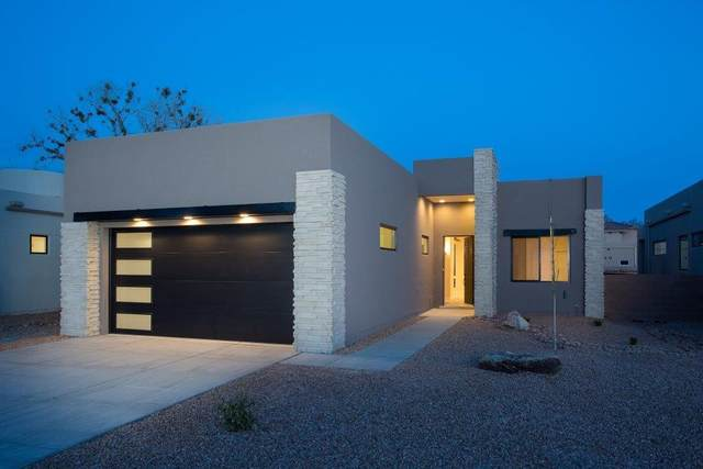 2716 Puerta Del Bosque Lane NW, Albuquerque, NM 87104 (MLS #979679) :: The Buchman Group