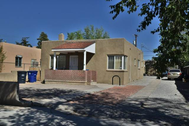 306 Stanford Drive SE, Albuquerque, NM 87106 (MLS #979727) :: Berkshire Hathaway HomeServices Santa Fe Real Estate