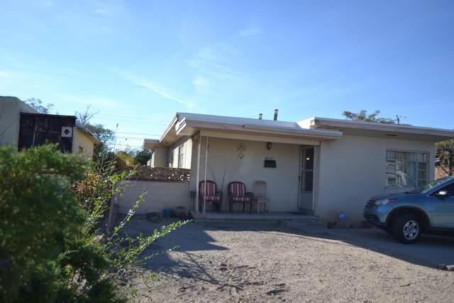 813 Laguayra Drive NE, Albuquerque, NM 87108 (MLS #979769) :: The Bigelow Team / Red Fox Realty