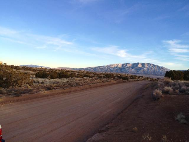 5023 Magenta Road NE, Rio Rancho, NM 87144 (MLS #979790) :: Campbell & Campbell Real Estate Services