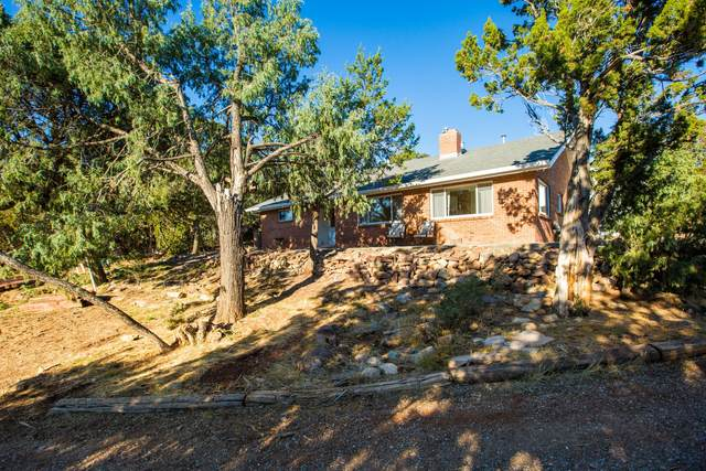 2 Pinon Avenue NE, Cedar Crest, NM 87008 (MLS #979808) :: The Bigelow Team / Red Fox Realty