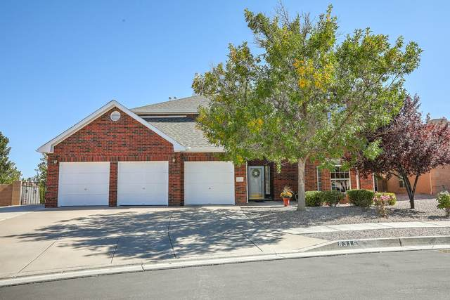8316 Hillsboro Court NW, Albuquerque, NM 87120 (MLS #979842) :: The Bigelow Team / Red Fox Realty