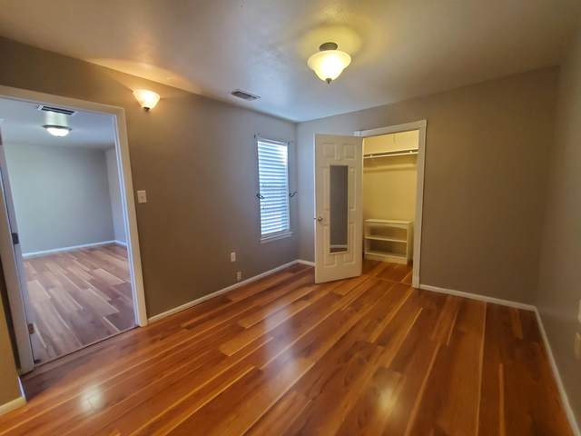 2800 Vail Avenue SE #207, Albuquerque, NM 87106 (MLS #979864) :: The Bigelow Team / Red Fox Realty