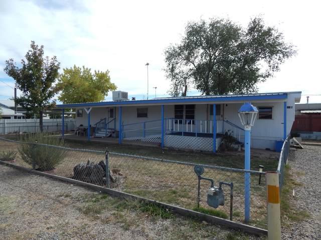 518 S 11th Street Unit B, Belen, NM 87002 (MLS #979875) :: Berkshire Hathaway HomeServices Santa Fe Real Estate