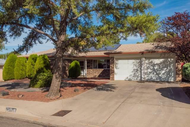 11717 Tivoli Avenue NE, Albuquerque, NM 87111 (MLS #979897) :: The Bigelow Team / Red Fox Realty