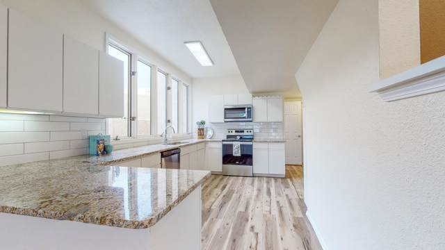 613 Eastlake Court SE, Rio Rancho, NM 87124 (MLS #980033) :: Campbell & Campbell Real Estate Services