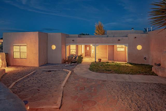642 Mission Valley Road, Corrales, NM 87048 (MLS #980054) :: Campbell & Campbell Real Estate Services