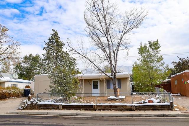 2704 Morris Street NE, Albuquerque, NM 87112 (MLS #980075) :: Campbell & Campbell Real Estate Services