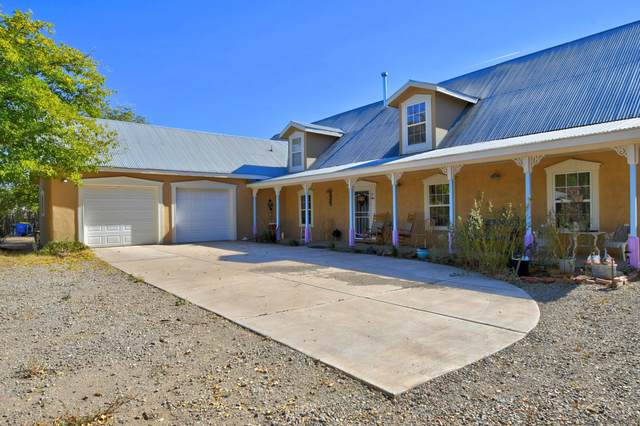 1227 Juanita Drive SW, Albuquerque, NM 87105 (MLS #980117) :: Campbell & Campbell Real Estate Services