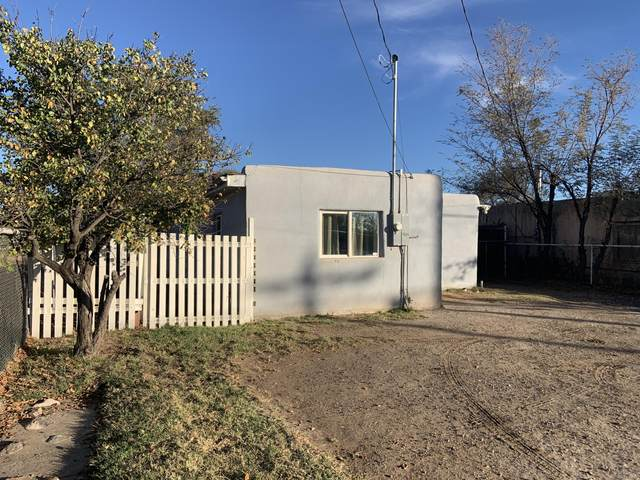 468 Los Lentes Road SE, Los Lunas, NM 87031 (MLS #980419) :: The Buchman Group