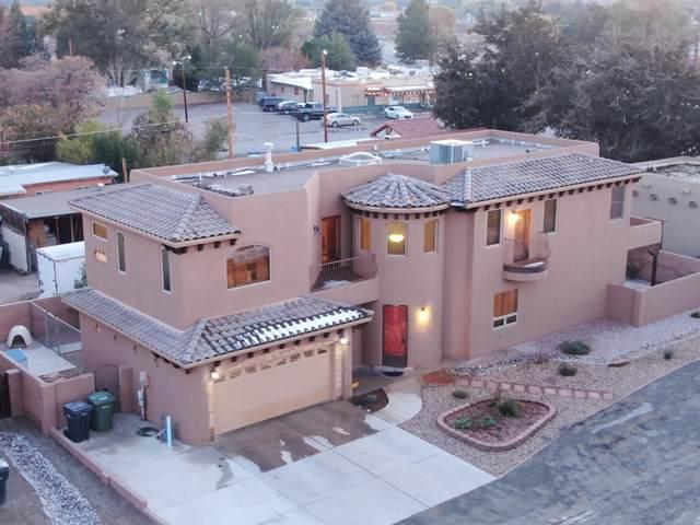 224 Nico Trail NW, Los Ranchos, NM 87114 (MLS #980597) :: The Buchman Group