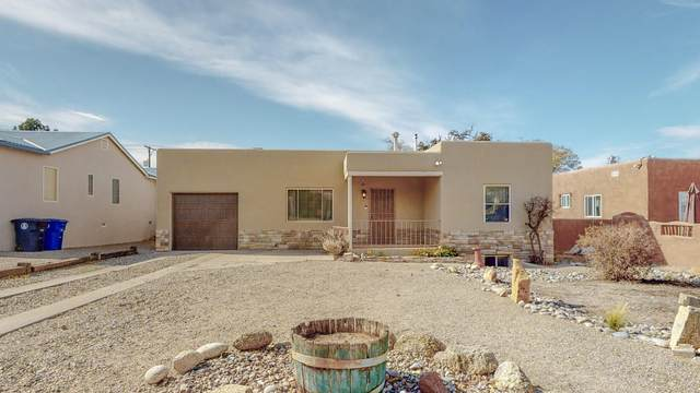 415 Amherst Drive SE, Albuquerque, NM 87106 (MLS #980825) :: The Buchman Group