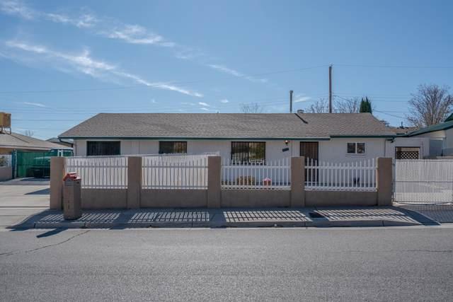 1301 Apodaca Street SW, Albuquerque, NM 87121 (MLS #981021) :: The Bigelow Team / Red Fox Realty
