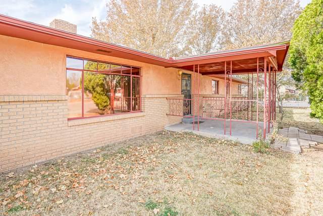 2122 Giraudo Place SW, Albuquerque, NM 87105 (MLS #981146) :: Campbell & Campbell Real Estate Services