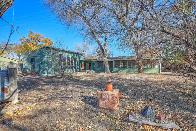 2712 Campbell Road NW, Albuquerque, NM 87104 (MLS #981374) :: Campbell & Campbell Real Estate Services