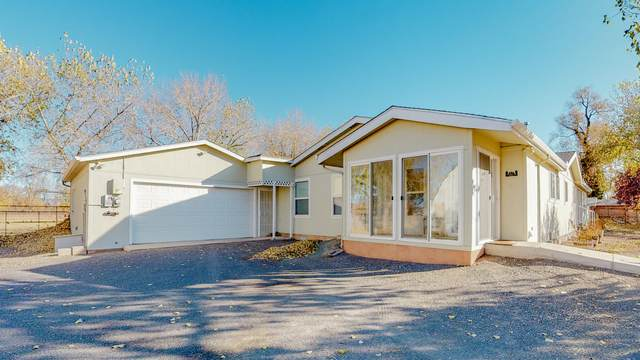 2538 Boliver Lane SW, Albuquerque, NM 87105 (MLS #981433) :: Berkshire Hathaway HomeServices Santa Fe Real Estate