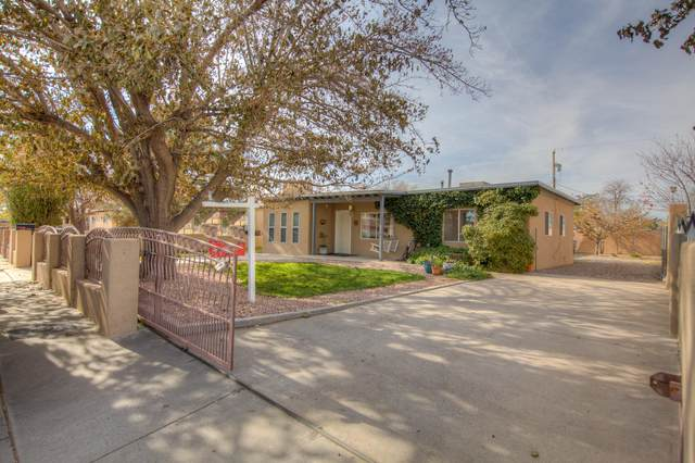 749 56TH Street NW, Albuquerque, NM 87105 (MLS #981505) :: The Bigelow Team / Red Fox Realty