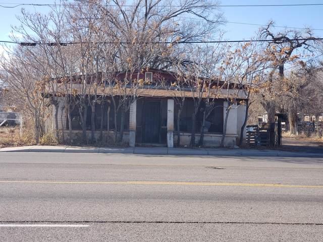 1129 S Main Street, Belen, NM 87002 (MLS #981742) :: Keller Williams Realty