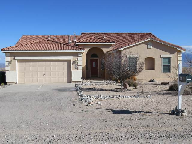 720 7TH Street NE, Rio Rancho, NM 87124 (MLS #981790) :: Sandi Pressley Team