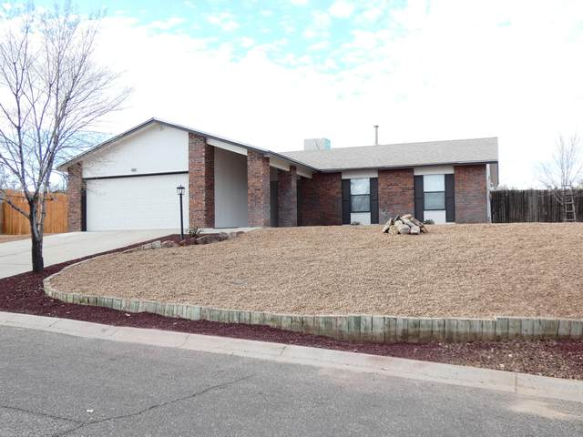 481 Copper Drive NE, Rio Rancho, NM 87124 (MLS #981812) :: Sandi Pressley Team