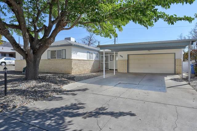 13104 Turquoise Avenue NE, Albuquerque, NM 87123 (MLS #981820) :: The Buchman Group