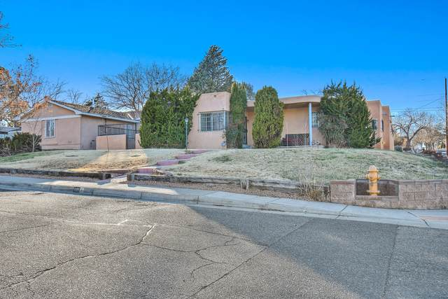 401 Aliso Drive NE, Albuquerque, NM 87108 (MLS #981838) :: The Buchman Group