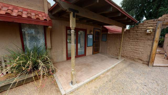 7218 4TH Street NW, Los Ranchos, NM 87107 (MLS #982311) :: The Bigelow Team / Red Fox Realty