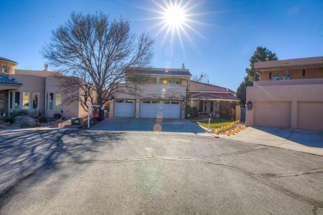 2201 Via Seville Road NW, Albuquerque, NM 87104 (MLS #982491) :: Campbell & Campbell Real Estate Services