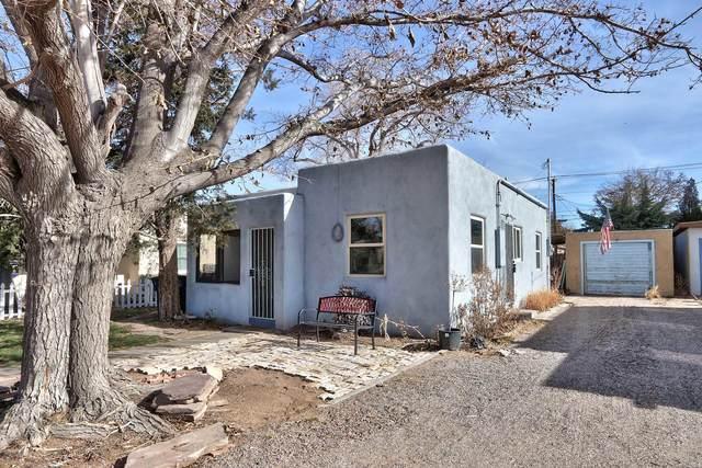 334 Carlisle Boulevard NE, Albuquerque, NM 87106 (MLS #982748) :: The Buchman Group