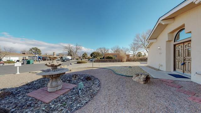 4102 El Alto Court SE, Rio Rancho, NM 87124 (MLS #982981) :: The Buchman Group