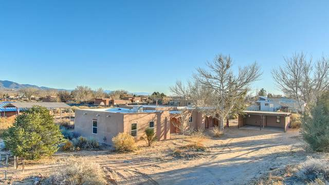 129 Mikaela Road, Corrales, NM 87048 (MLS #983179) :: Campbell & Campbell Real Estate Services