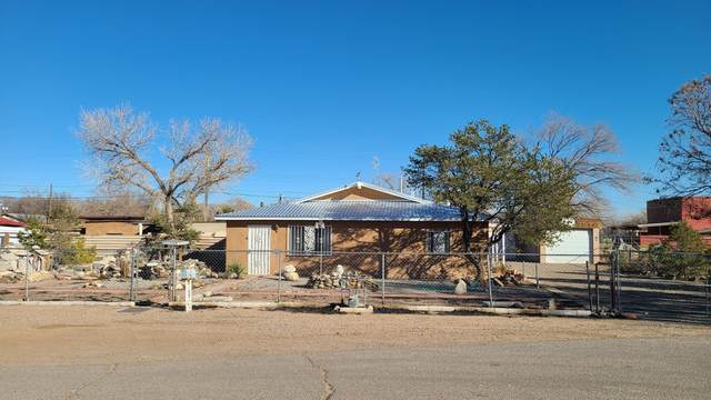 3130 Country View Road SW, Albuquerque, NM 87105 (MLS #983354) :: Sandi Pressley Team
