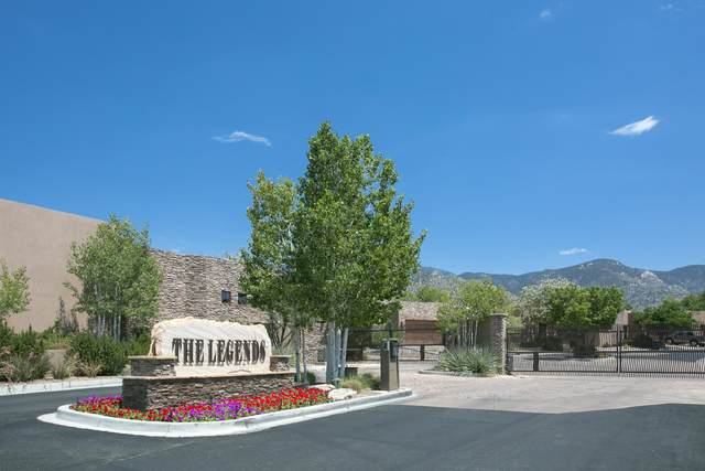 6300 Ghost Flower Trail NE, Albuquerque, NM 87111 (MLS #983376) :: The Bigelow Team / Red Fox Realty
